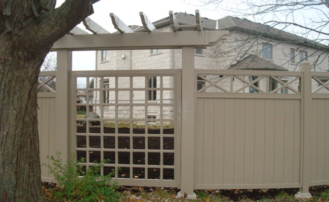 premade fencing for homes