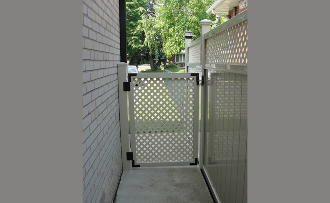 vinyl gate for walkway