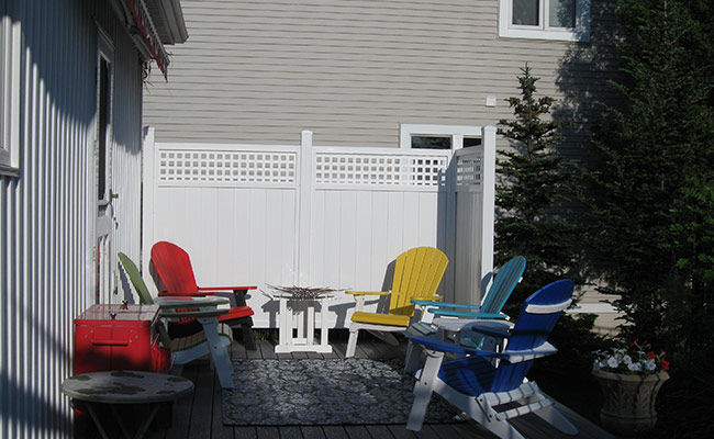 semi private fence for enclosed patio