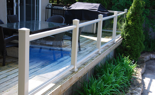 exterior vinyl railing with glass