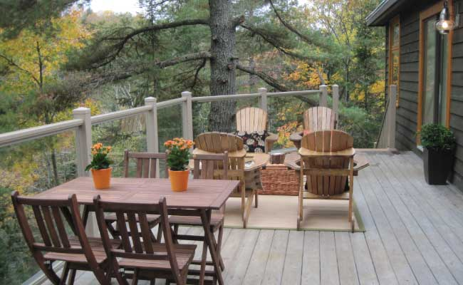 outdoor cottage railing